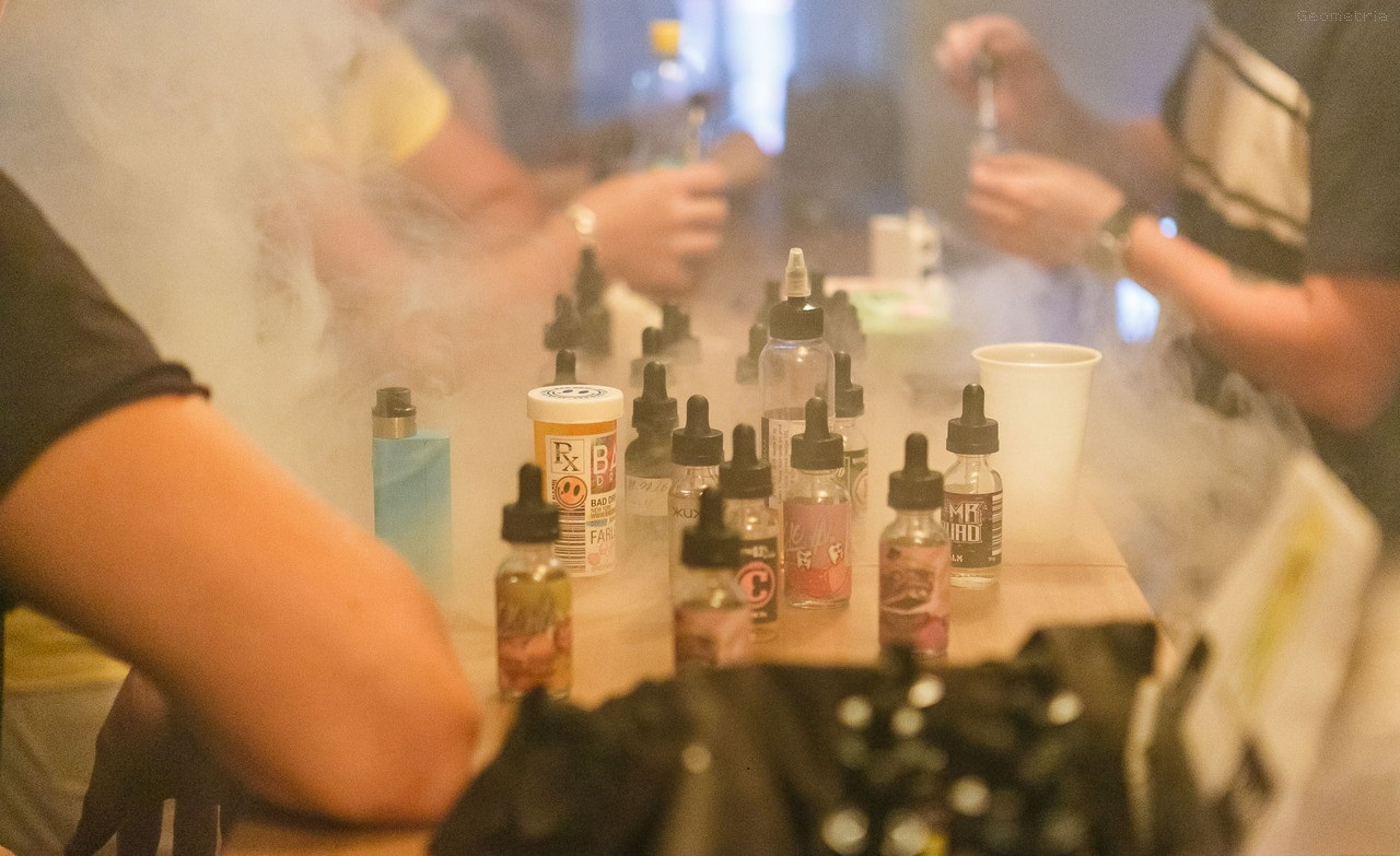 Vapor and e juices for vaping